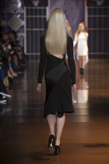 versace-milan-fashion-week-autumn-winter-2014-00001