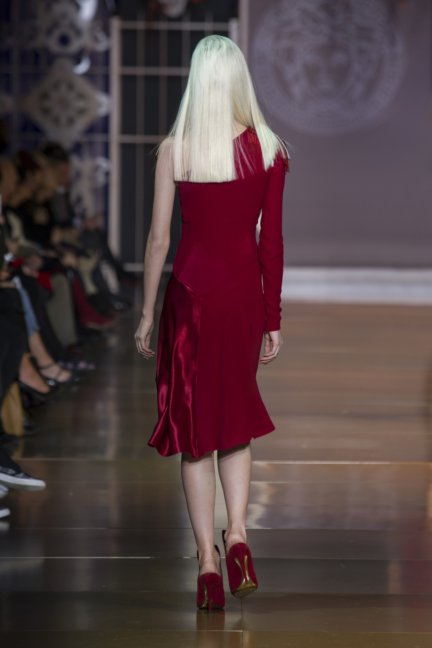 versace-milan-fashion-week-autumn-winter-2014-00004