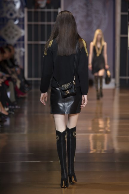 versace-milan-fashion-week-autumn-winter-2014-00019