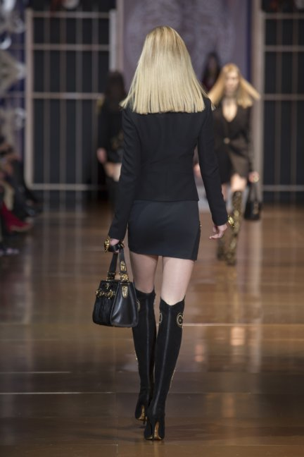 versace-milan-fashion-week-autumn-winter-2014-00020