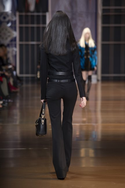 versace-milan-fashion-week-autumn-winter-2014-00025