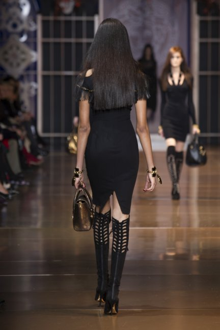 versace-milan-fashion-week-autumn-winter-2014-00028