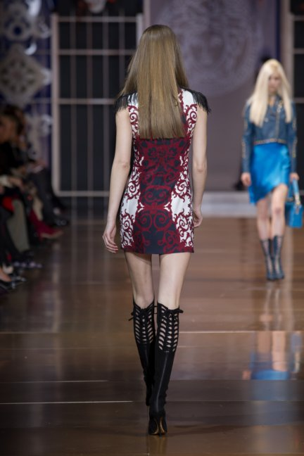 versace-milan-fashion-week-autumn-winter-2014-00033