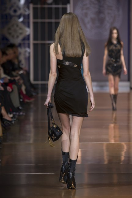 versace-milan-fashion-week-autumn-winter-2014-00038