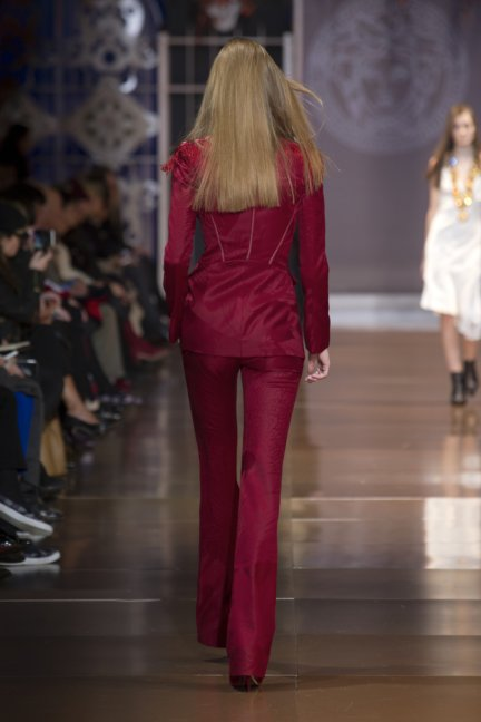 versace-milan-fashion-week-autumn-winter-2014-00044