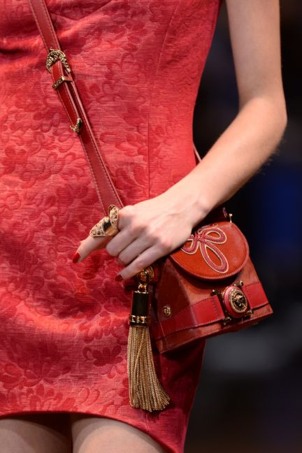 versace-details-milan-fashion-week-autumn-winter-2014-00041