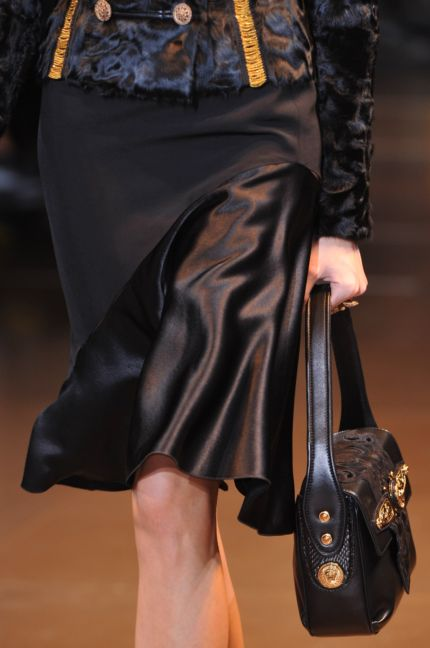 versace-details-milan-fashion-week-autumn-winter-2014-00046