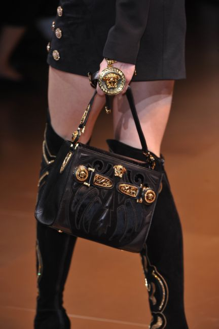 versace-details-milan-fashion-week-autumn-winter-2014-00049