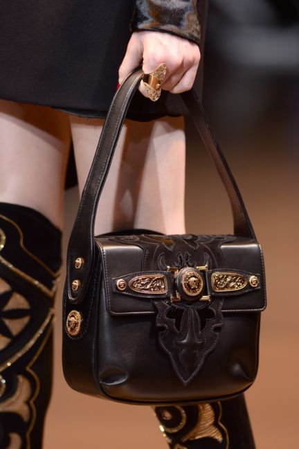 versace-details-milan-fashion-week-autumn-winter-2014-00055