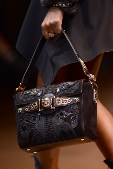 versace-details-milan-fashion-week-autumn-winter-2014-00059