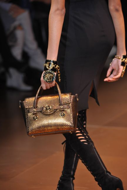 versace-details-milan-fashion-week-autumn-winter-2014-00071