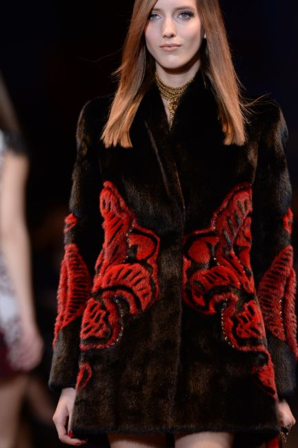 versace-details-milan-fashion-week-autumn-winter-2014-00078