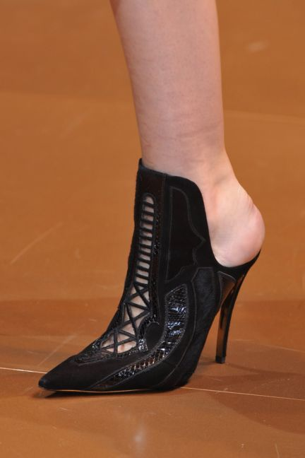 versace-details-milan-fashion-week-autumn-winter-2014-00100