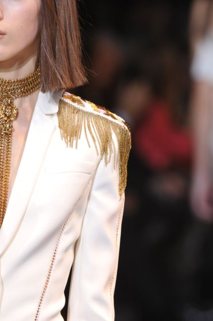versace-details-milan-fashion-week-autumn-winter-2014-00101
