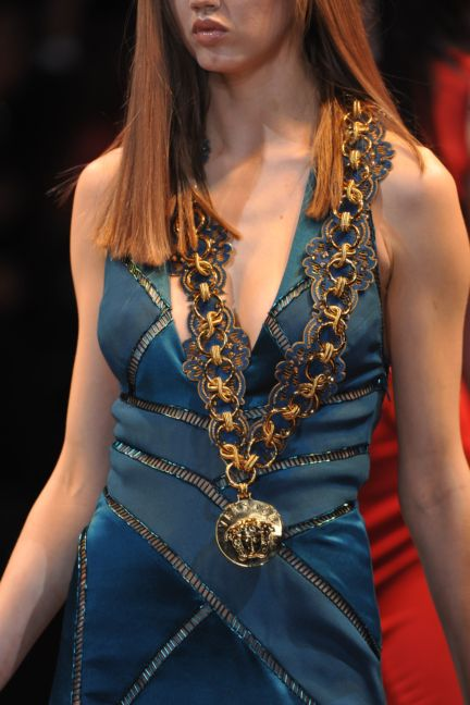 versace-details-milan-fashion-week-autumn-winter-2014-00103