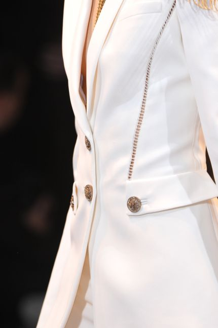 versace-details-milan-fashion-week-autumn-winter-2014-00105