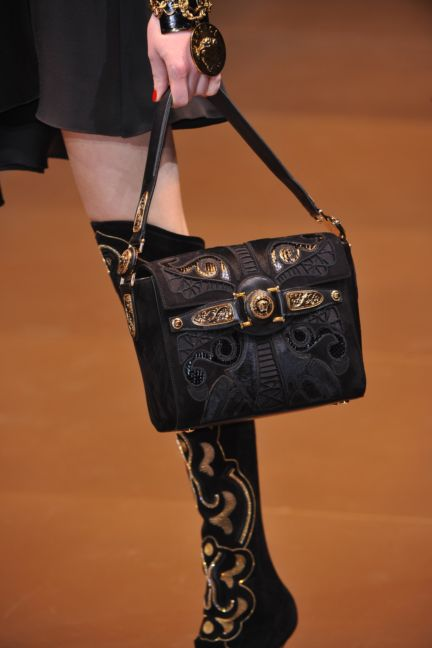 versace-details-milan-fashion-week-autumn-winter-2014-00117