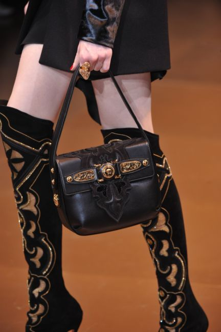 versace-details-milan-fashion-week-autumn-winter-2014-00118