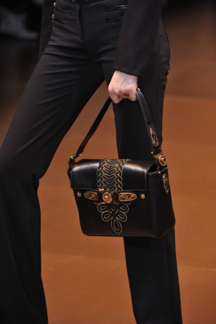 versace-details-milan-fashion-week-autumn-winter-2014-00120