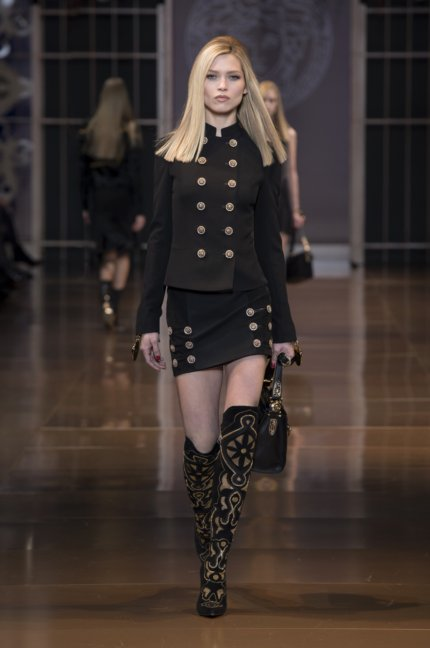 versace-milan-fashion-week-autumn-winter-2014-00018