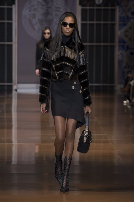 versace-milan-fashion-week-autumn-win