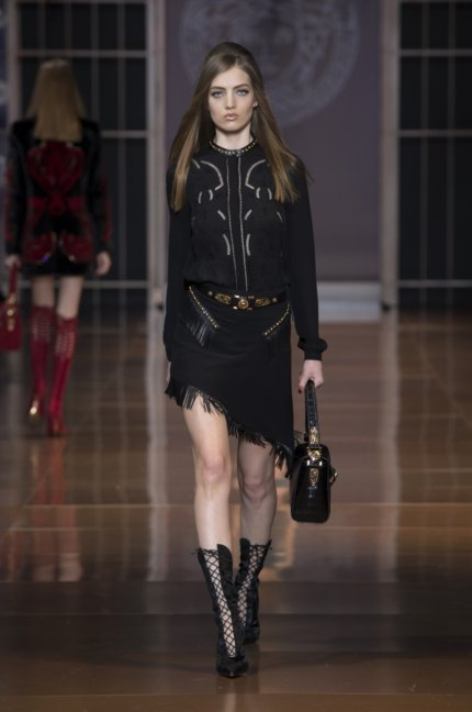 versace-milan-fashion-week-autumn-winter-2014-00036