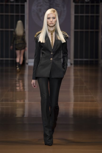 versace-milan-fashion-week-autumn-winter-2014-00043