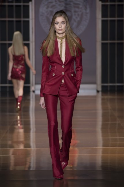 versace-milan-fashion-week-autumn-winter-2014-00045