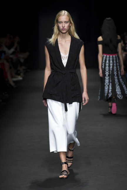 byblos-milan-fashion-week-spring-summer-2016-15