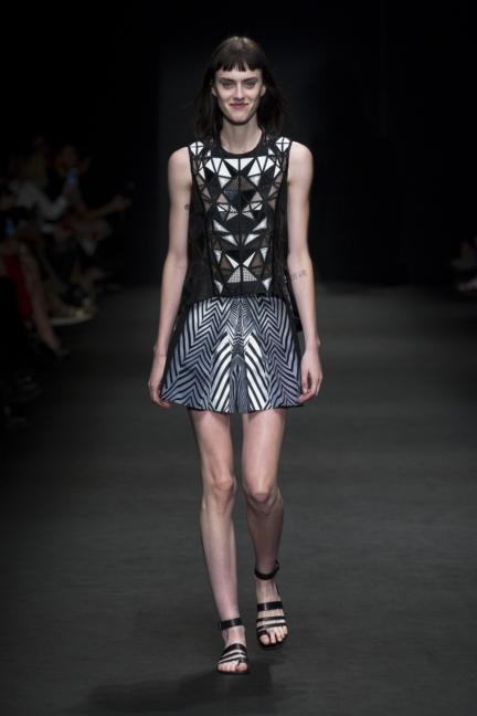 byblos-milan-fashion-week-spring-summer-2016-16
