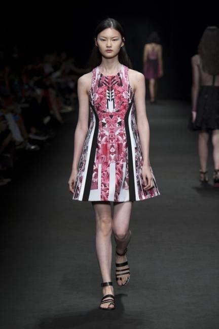 byblos-milan-fashion-week-spring-summer-2016-27
