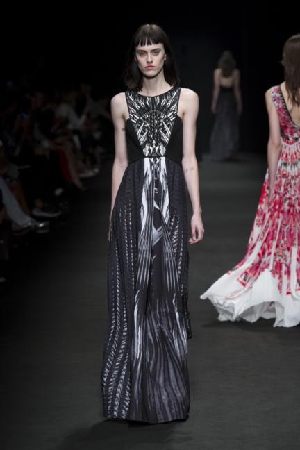 byblos-milan-fashion-week-spring-summer-2016-30
