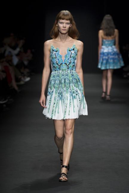 byblos-milan-fashion-week-spring-summer-2016-8