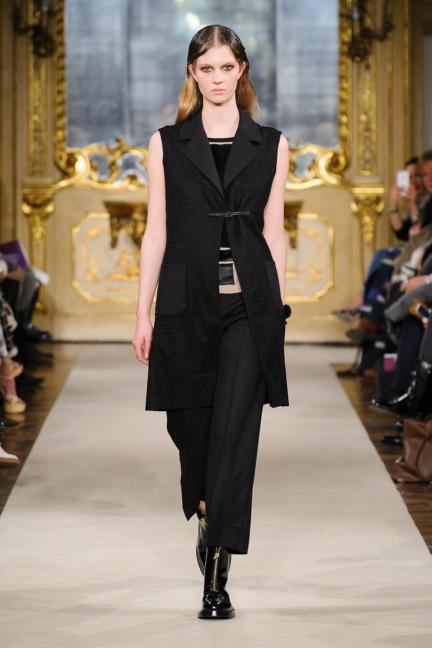 cividini-milan-fashion-week-autumn-winter-2015-2016-runway-12