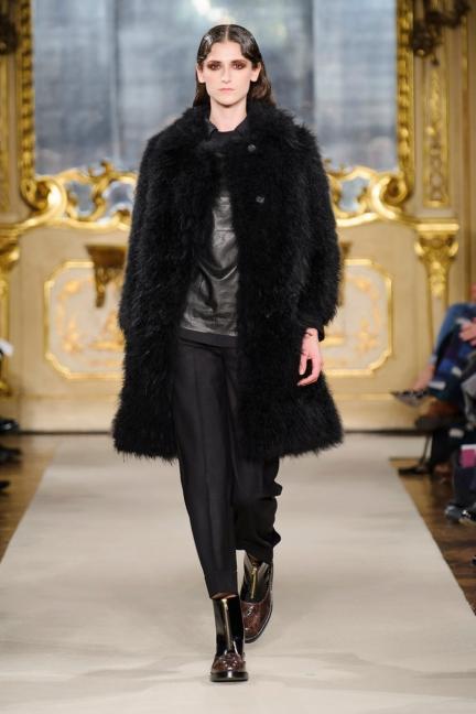 cividini-milan-fashion-week-autumn-winter-2015-2016-runway-3