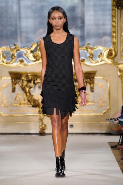 cividini-milan-fashion-week-autumn-winter-2015-2016-runway-35