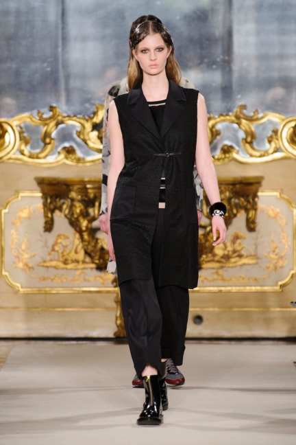 cividini-milan-fashion-week-autumn-winter-2015-2016-runway-36