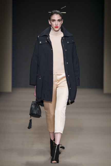 elisabetta-franchi-milan-fashion-week-autumn-winter-2015-runway-42
