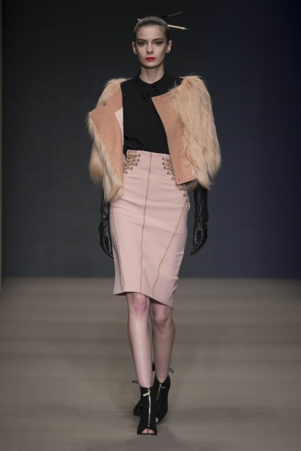 elisabetta-franchi-milan-fashion-week-autumn-winter-2015-runway-43