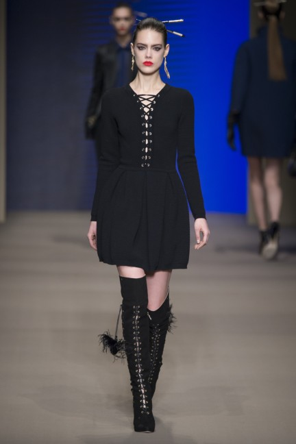 elisabetta-franchi-milan-fashion-week-autumn-winter-2015-runway-5