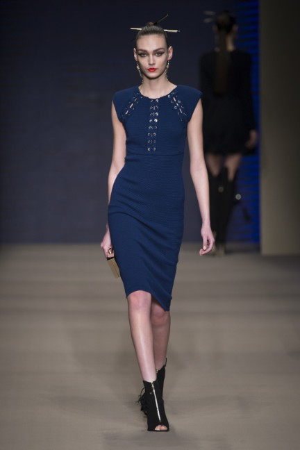 elisabetta-franchi-milan-fashion-week-autumn-winter-2015-runway-8