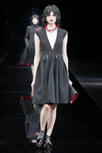 emporio-armani-womenswear-fw1516_01