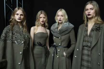 ermanno-scervino-milan-fashion-week-autumn-winter-2015-backstage-7