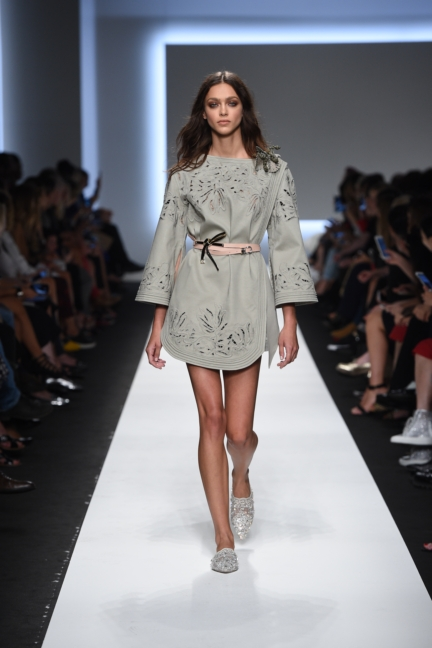 ermanno-scervino-milan-fashion-week-spring-summer-2016-runway-14