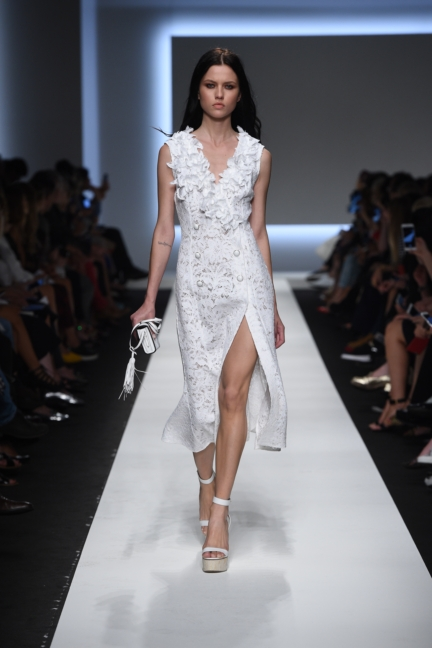 ermanno-scervino-milan-fashion-week-spring-summer-2016-runway-18