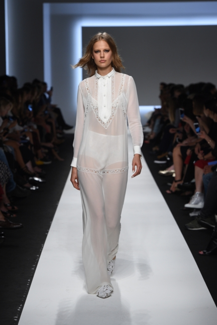 ermanno-scervino-milan-fashion-week-spring-summer-2016-runway-22