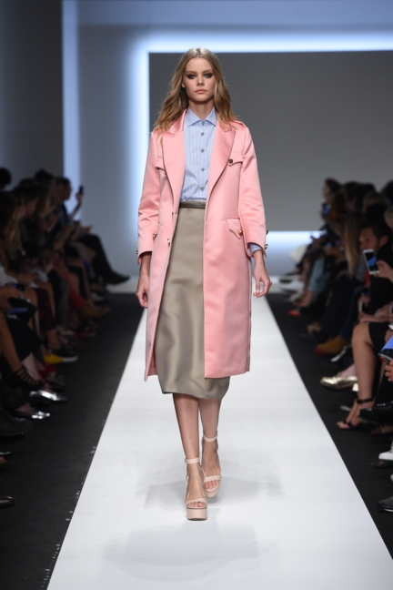 ermanno-scervino-milan-fashion-week-spring-summer-2016-runway-26