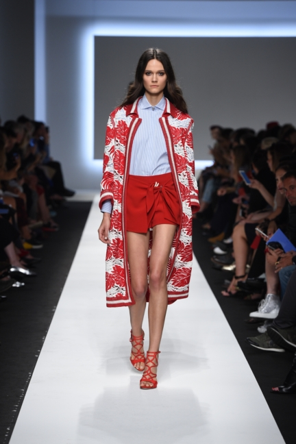 ermanno-scervino-milan-fashion-week-spring-summer-2016-runway-31