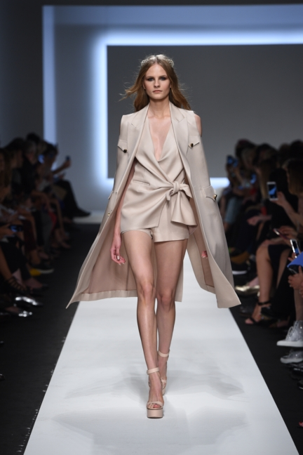 ermanno-scervino-milan-fashion-week-spring-summer-2016-runway-5