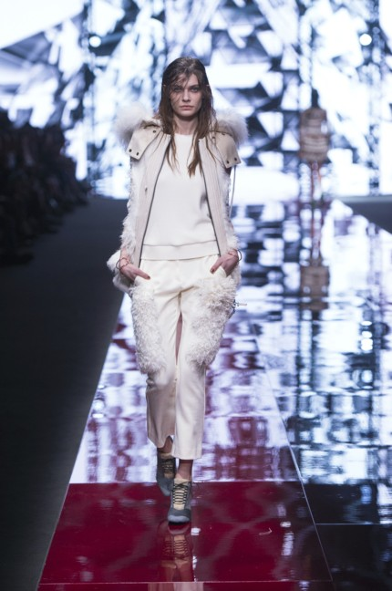just-cavalli-milan-fashion-week-autumn-winter-2015-13